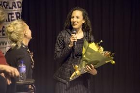 Saneia Norton thanks Festival Director Michaela Bolzan. Photo by Greg Jackson.